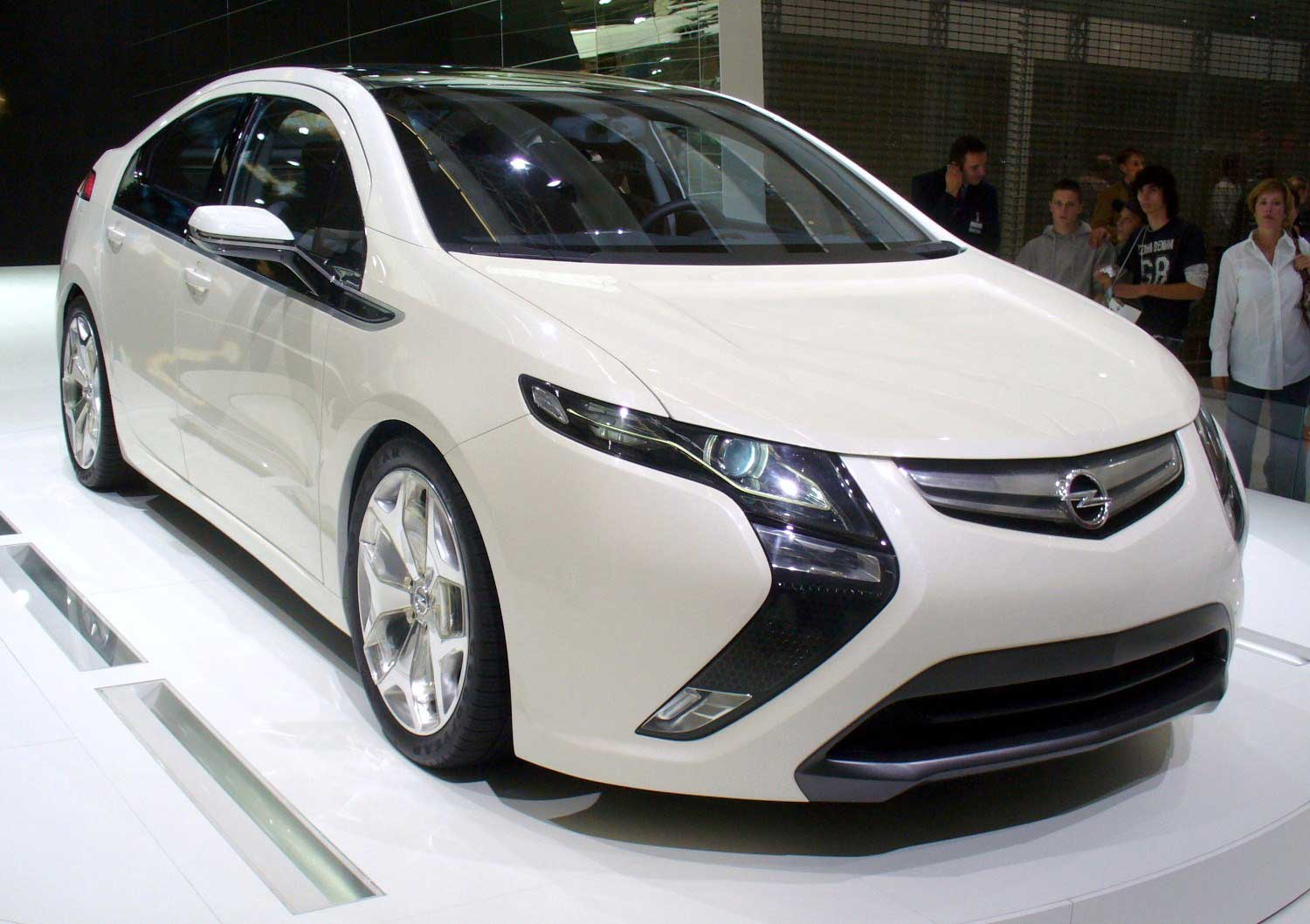 future of electric cars opel ampera